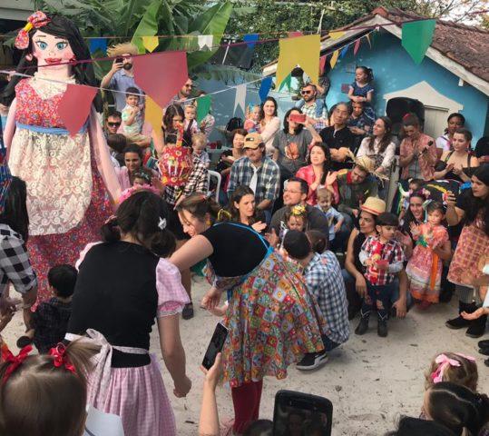 Grande família Vila Sofia festeja na Festa das Raízes